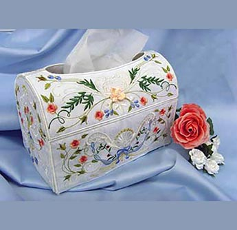 Romantic Roses Tissue Box