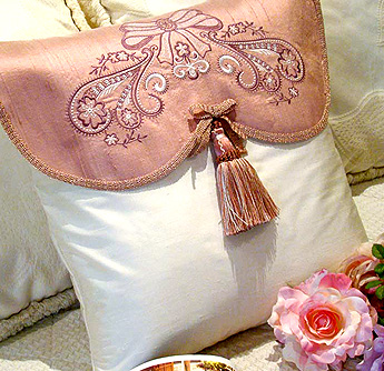 view rose cushion