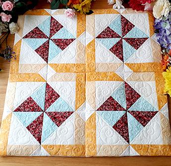 christmas robins and birdhouses